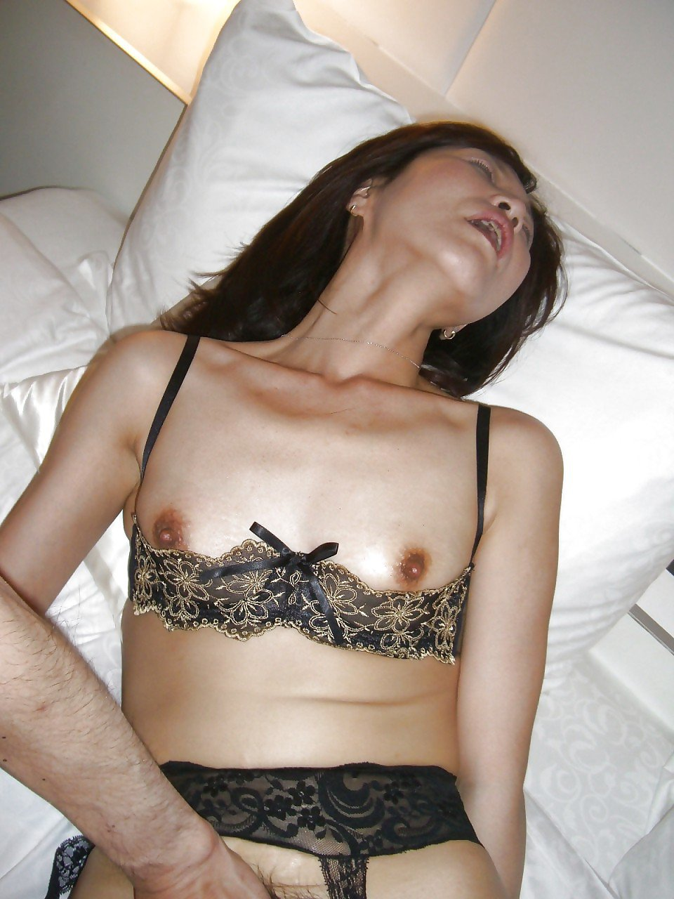 chinese wives nude photoshoot